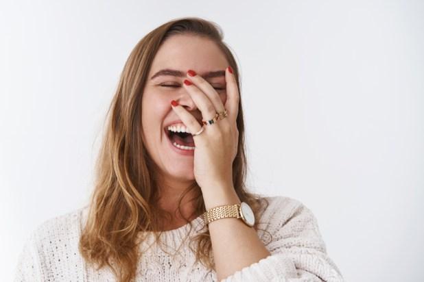 العلاج بالضحك ؟ هل تعلم ماهي فوائد الضحك ؟