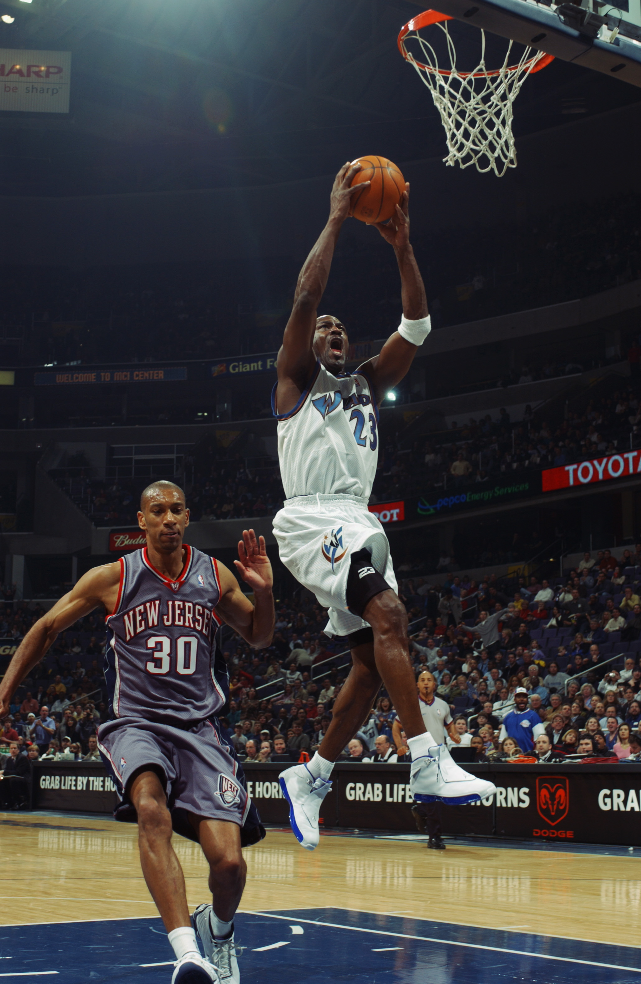 Michael Jordans 10 Greatest Games as a 40 Year Old