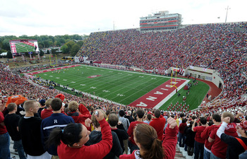 Hoosier-fb-stadium-750_display_image