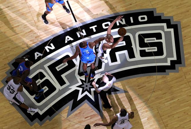 Assistir San Antonio Spurs x Oklahoma City Thunder ao vivo 22h00 NBA Playoffs