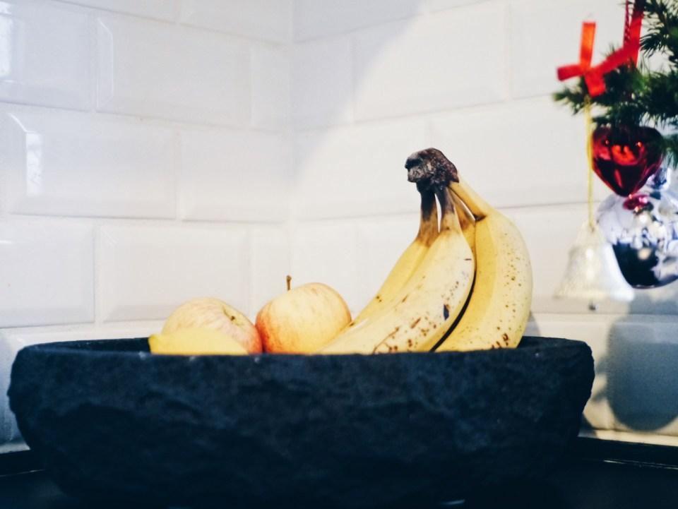 frugtskål af lava sten