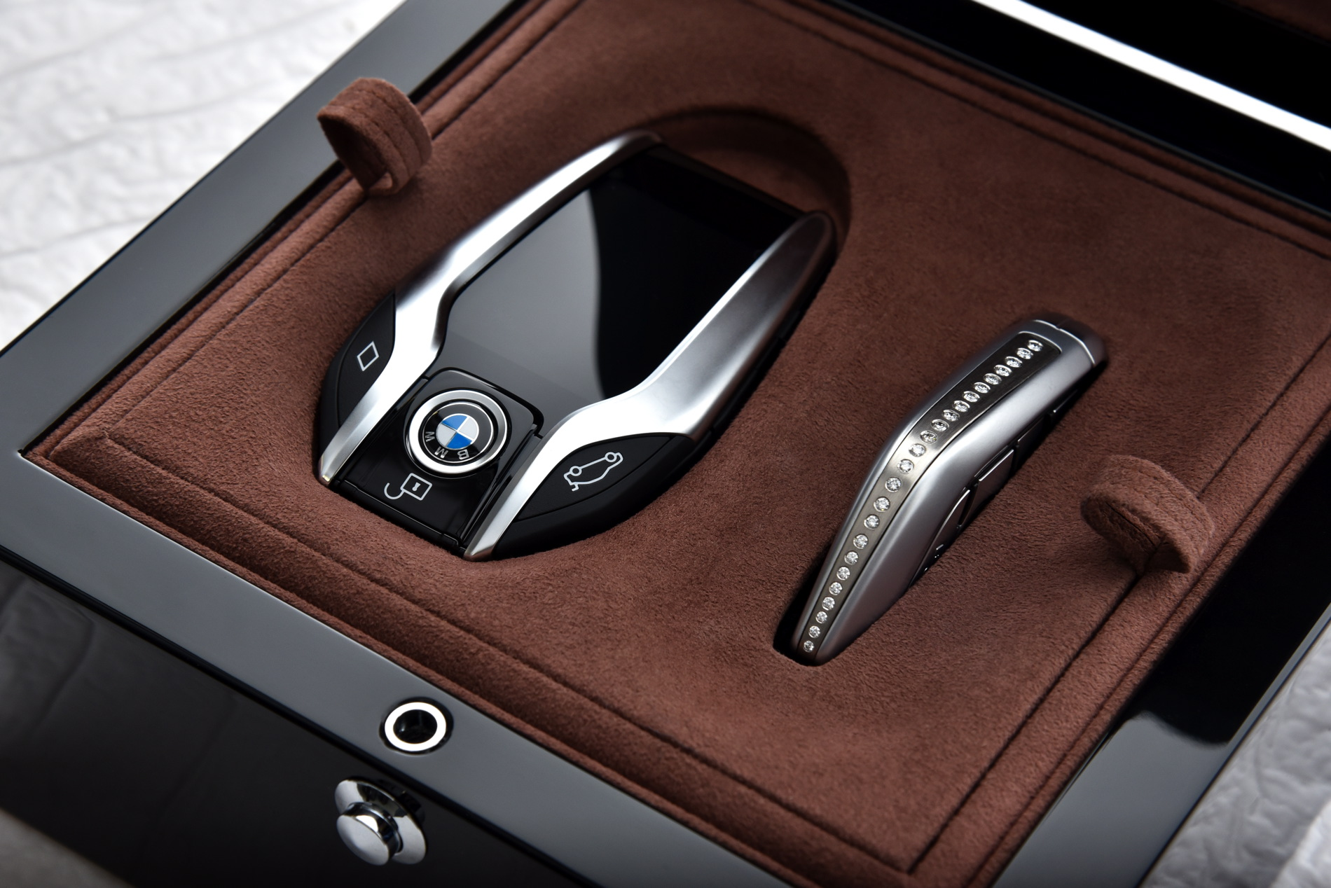 Solitaire and Master Class Edition based on the new BMW