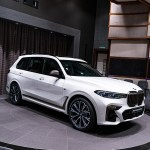 Bmw X7 M50i Gets Showcased In Alpine White With Bmw Individual Interior