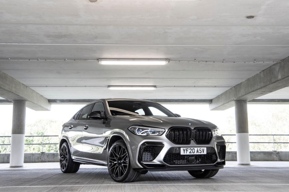 2021 bmw x6m Donington Grey metallic 11