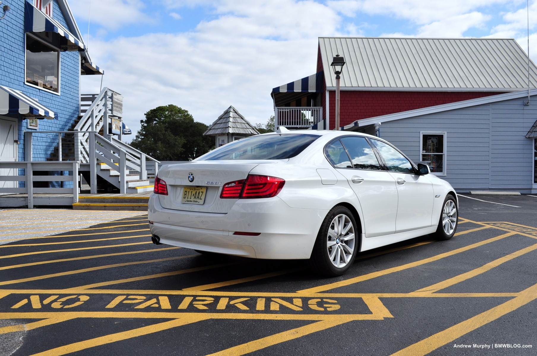 hight resolution of 2011 bmw 528i white