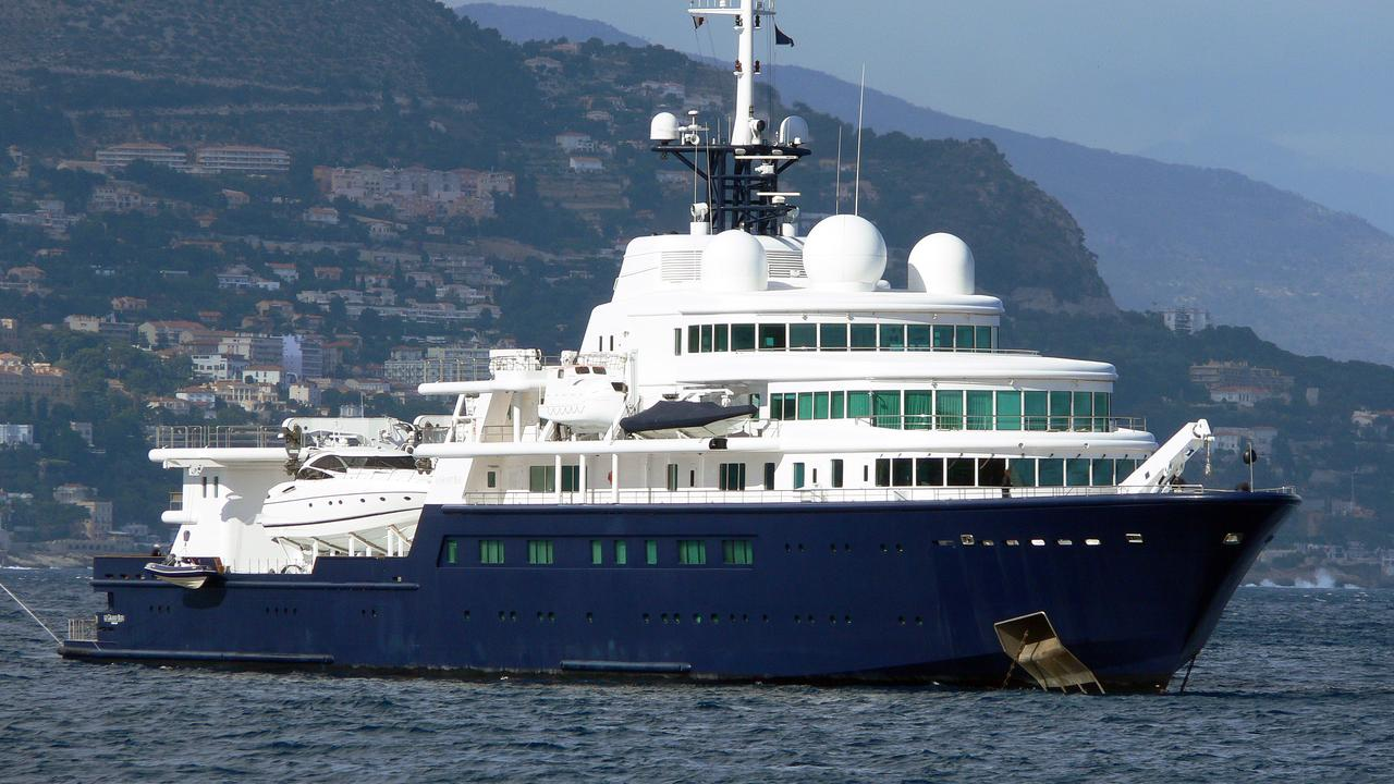 LE GRAND BLEU Yacht Boat International