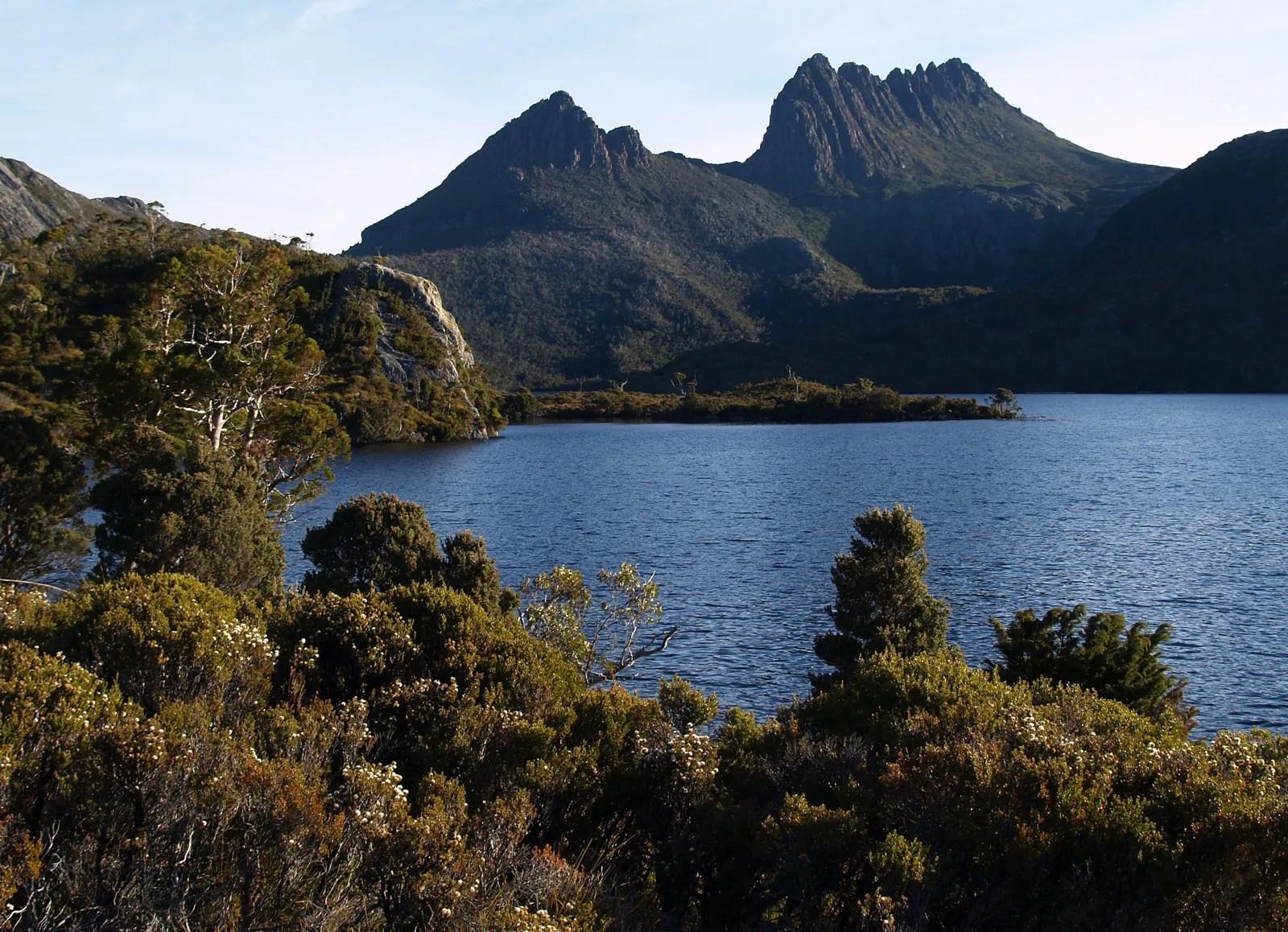 Cradle Mountain | mountain, Tasmania, Australia | Britannica