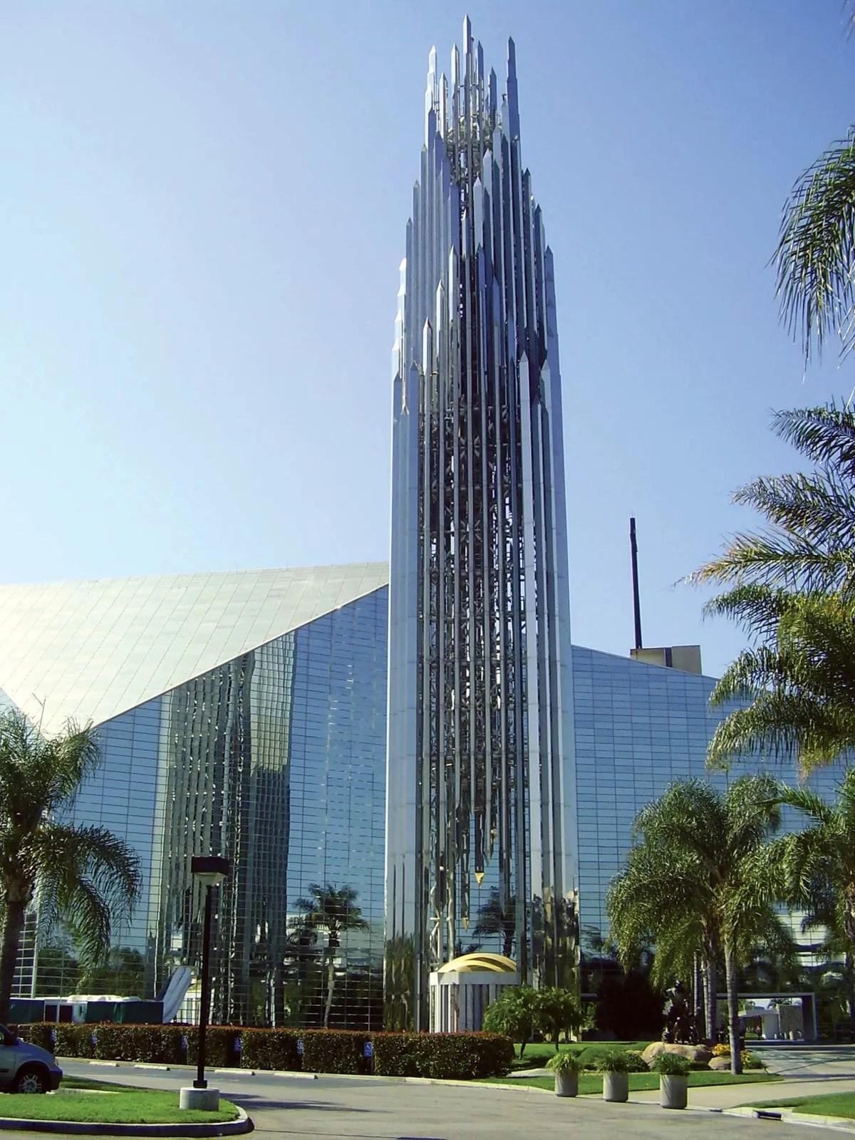 crystal cathedral building garden
