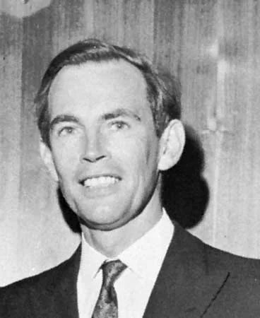 https://i0.wp.com/cdn.britannica.com/s:1500x700,q:85/13/29513-004-D6A5ED91/Christiaan-Barnard-1968.jpg?w=640&ssl=1