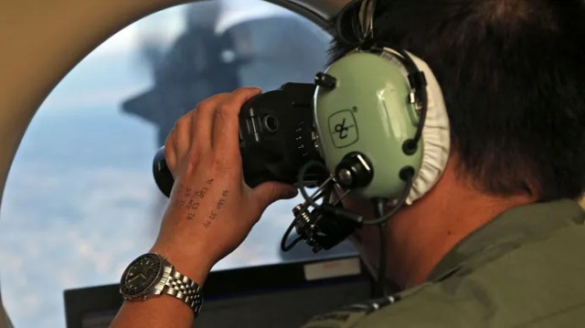 search for Malaysia Airlines flight 370