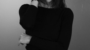 Uniqlo Links with Carine Roitfeld