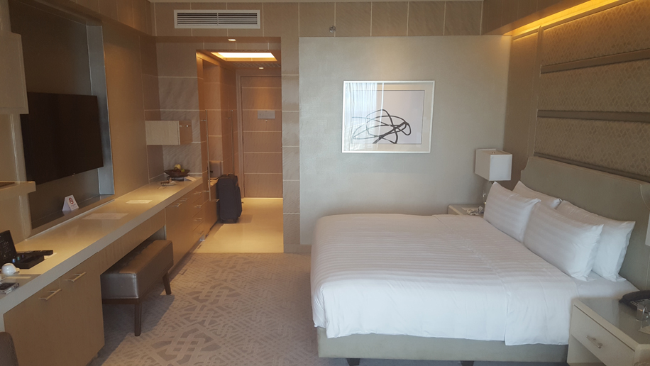 Hotel Review Shangri La At The Fort Manila Business