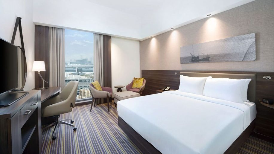 hampton by hilton 4l80e wiring diagram opens world s largest property in dubai business airport