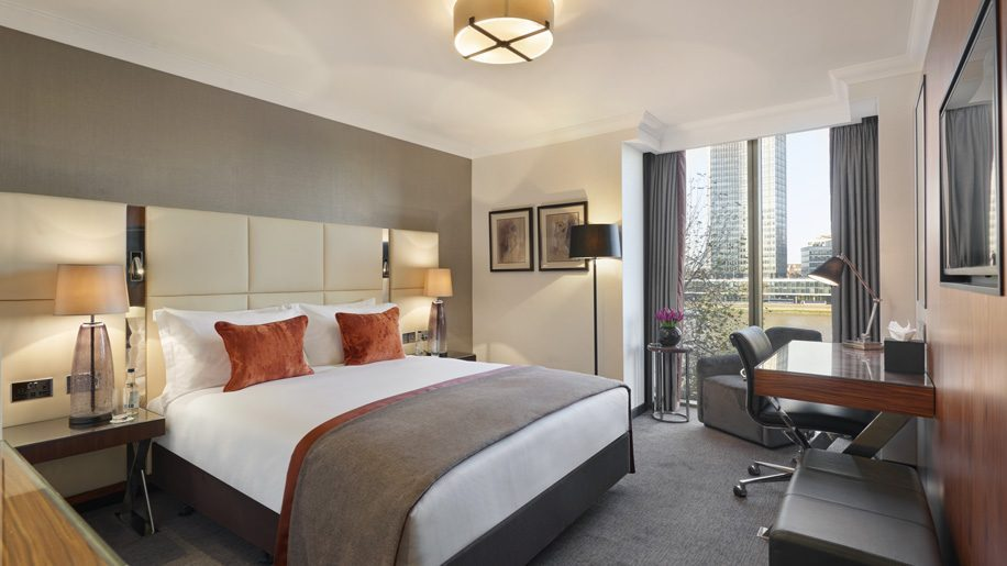 Crowne Plaza Opens On London S Albert Embankment Business