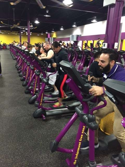 Planet Fitness Lincolnwood : planet, fitness, lincolnwood, Planet, Fitness, Lincolnwood, FitnessRetro