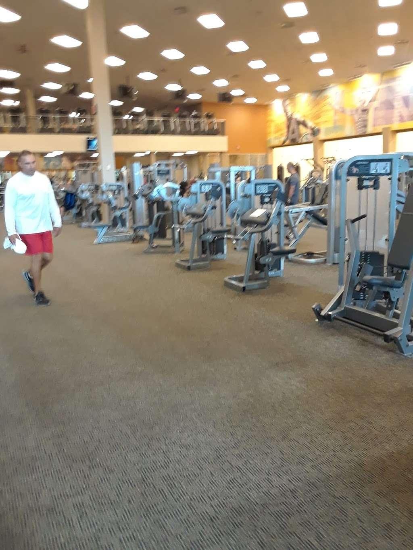 La Fitness Broadway : fitness, broadway, Fitness,, Broadway,, Saugus,, 01906,