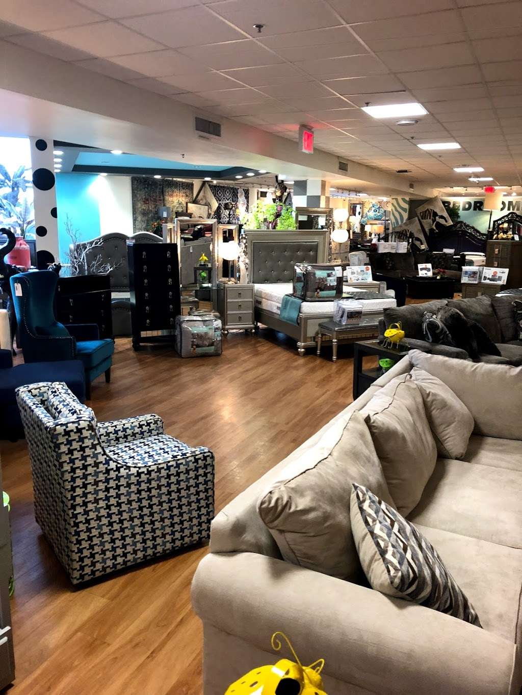 Furniture Store Flatbush Ave : furniture, store, flatbush, Where, Closest, Bob's, Discount, Furniture