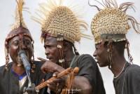 https://i0.wp.com/cdn.c.photoshelter.com/img-get/I0000bdyItikTe6k/s/900/720/African-Musicians-in-Argungu.jpg?resize=200%2C134