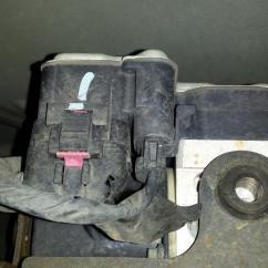 2006 Gmc Yukon Radio Wiring Diagram Pioneer Car Stereo Deh 150mp 98 Www Toyskids Co 2003 Abs Control Module Failure 4 Complaints 1998 Sierra Electrical
