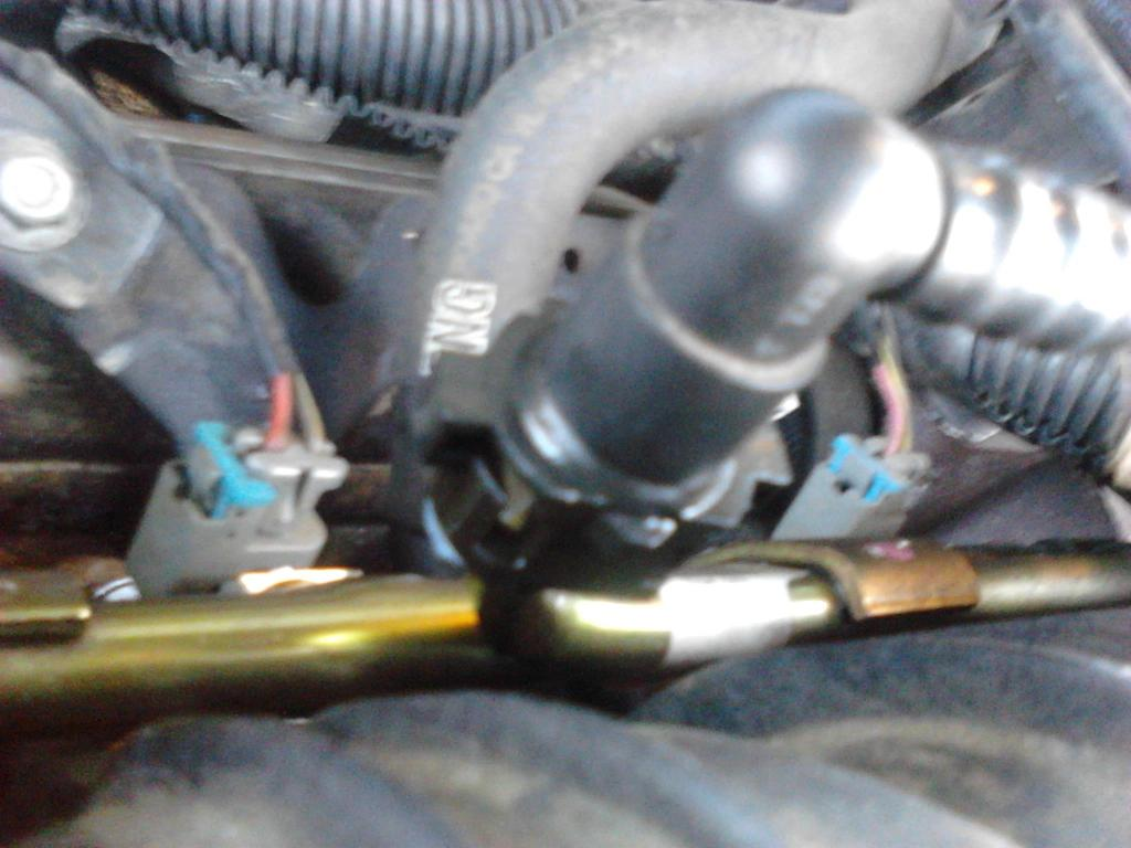 hight resolution of  fuel line leaks where it connects to the engine