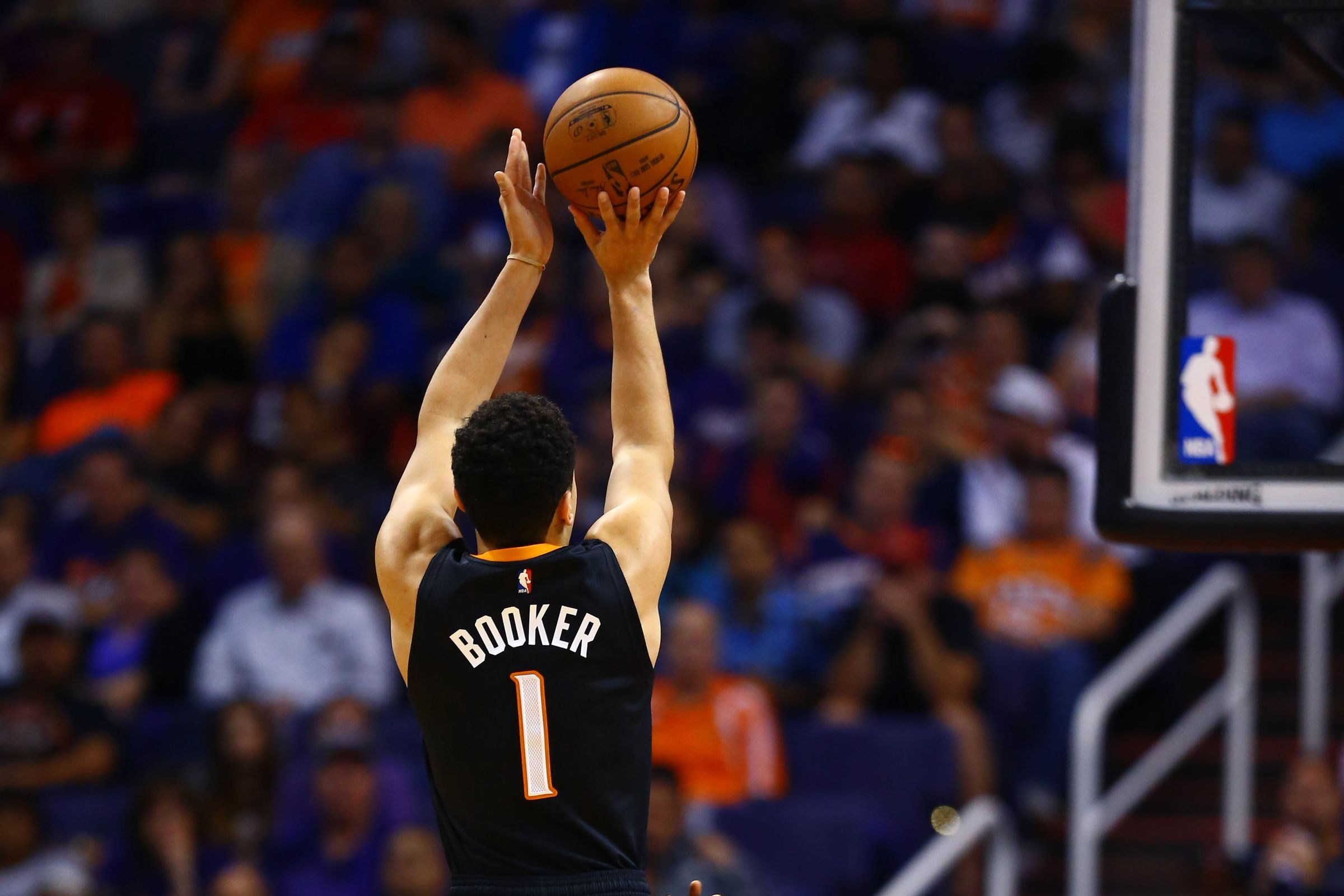 Atlanta Hawks Wallpaper Hd Statistically Devin Booker Is The Greatest 3 Point Shooter