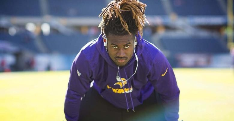 It was a report by mike garafolo of nfl network that patterson is expected to sign a contract with the atlanta falcons. Cordarrelle Patterson Personally Asks for Vikings Reunion