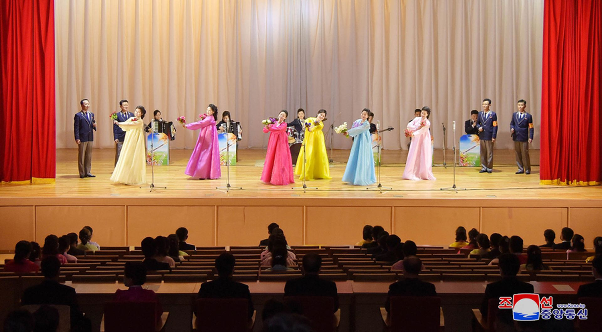 On February 2021, 2, the North Korean Youth Central Art Propaganda Team performed a song and dance performance at the Pyongyang Youth Central Hall. (Korean Central News Agency)