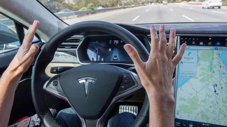 Hacker'lar <a target=_blank href=/wordpress/tag/tesla>Tesla</a> Model 3'ü Hackleyerek Kazandı