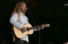 Sean Feucht Criticizes Seattle for Preventing Him from Holding Labor Day Prayer Rally in Local Park While Allowing Protesters to Riot