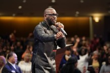Jamal Bryant Calls Georgia Governor's Decision to Reopen Local Economy an 'Assault on the Minority Community' and 'Contrary to the Will of God', Says He Will Join With Other Black Pastors, Including E. Dewey Smith, William Murphy, and Raphael Warnock, to Keep Their Churches Closed