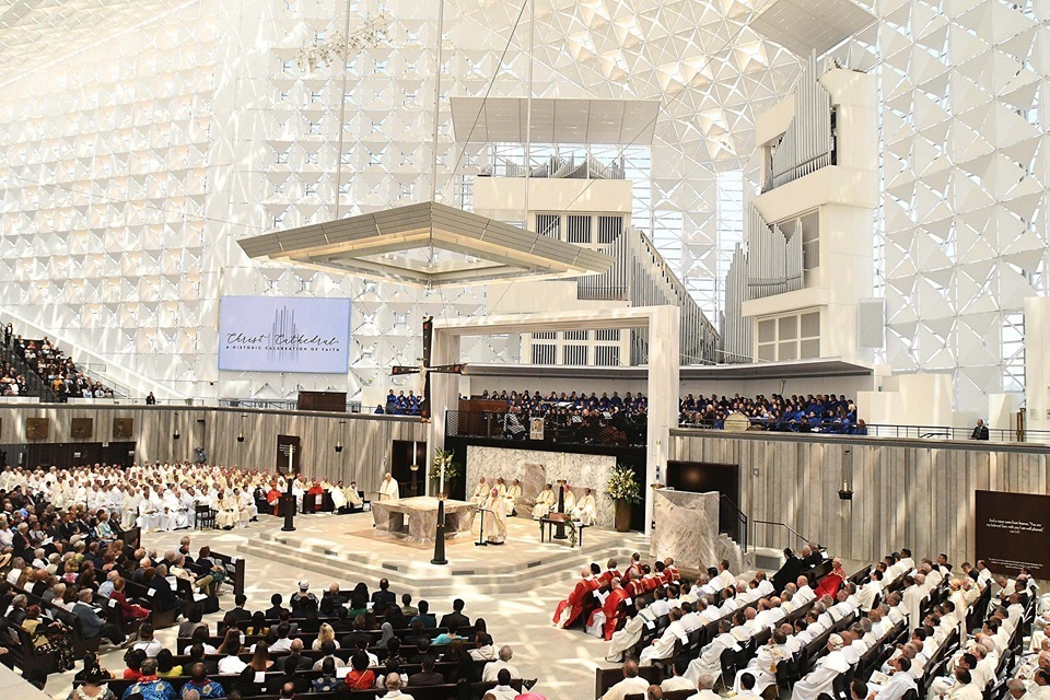 famed crystal cathedral reopens