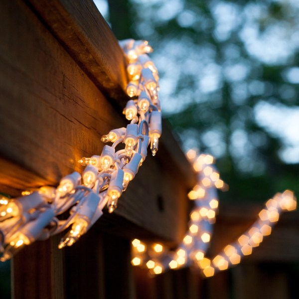 Garland Lights - 18' 600 Clear Lamps White Wire