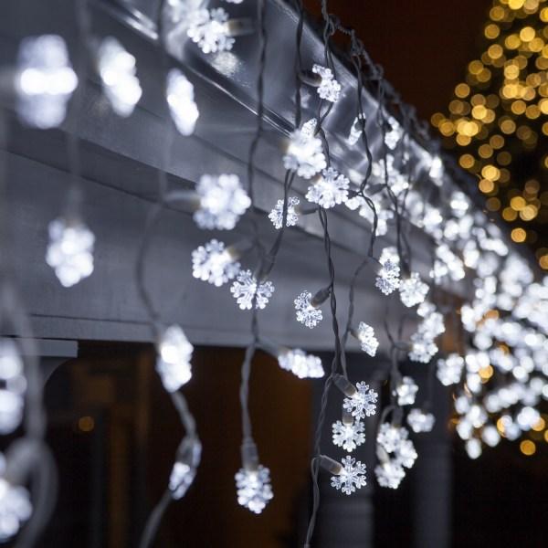 LED Christmas Lights 70 Cool White Snowflake LED Icicle