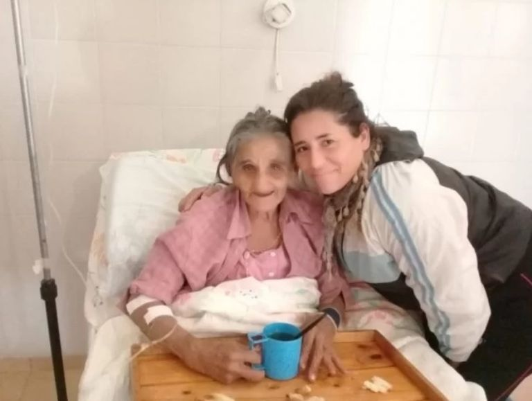 anciana con sobrina