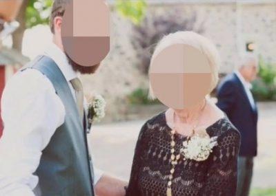 La familia del novio se vistió de negro el día de la boda