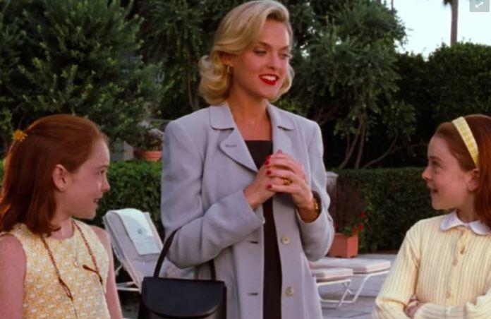 """Los fanáticos de la película no pudieron evitar comparar el compromiso con la ficción de """"Meredith Blake"""""""