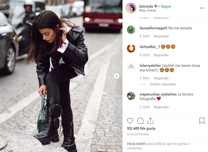 Rosalía, la cantante española del momento, lució unas botas muy particulares que marcaron tendencia en las redes por su inusual accesorio.