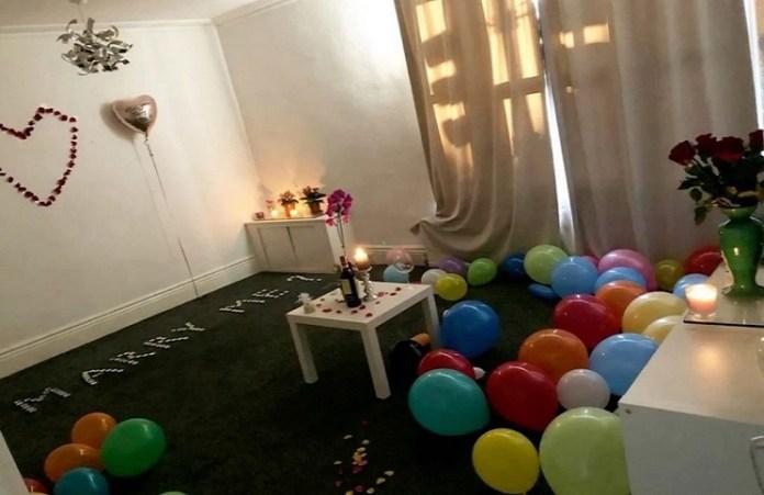 quería pedir matrimonio a su pareja en un entorno de 100 velas y acabó incendiando su casa