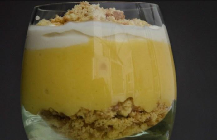 Cómo preparar un exquisito (y muy fácil) postre cremoso de limón