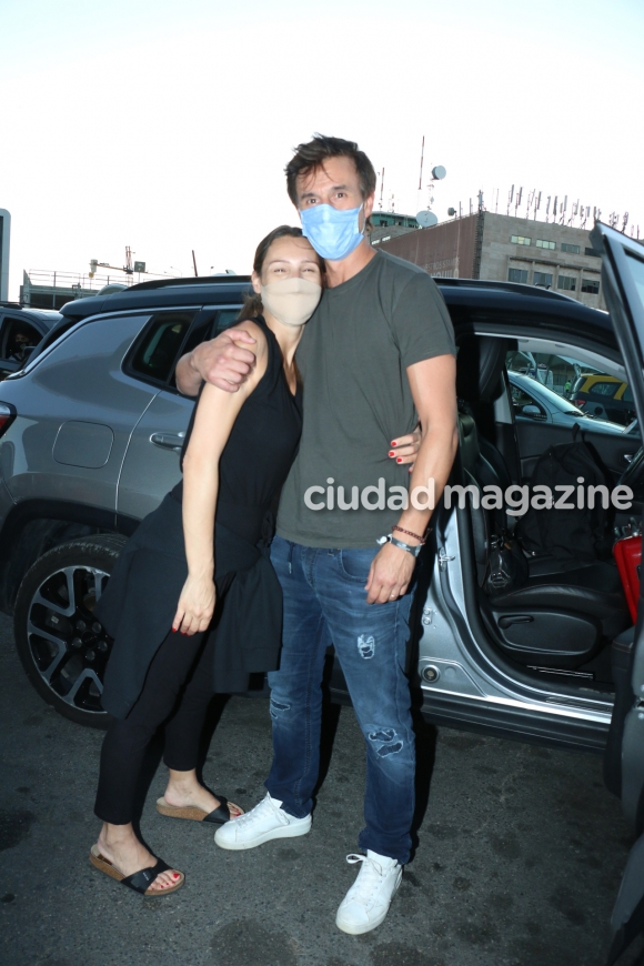 La vuelta de Pampita a Argentina tras anunciar su embarazo en México. Foto: Movilpress