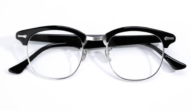 特集 いま手に入れるべき「ブロウ型」の眼鏡8本 ギャラリー - Web Magazine OPENERS(ウェブマガジン オウプナーズ)