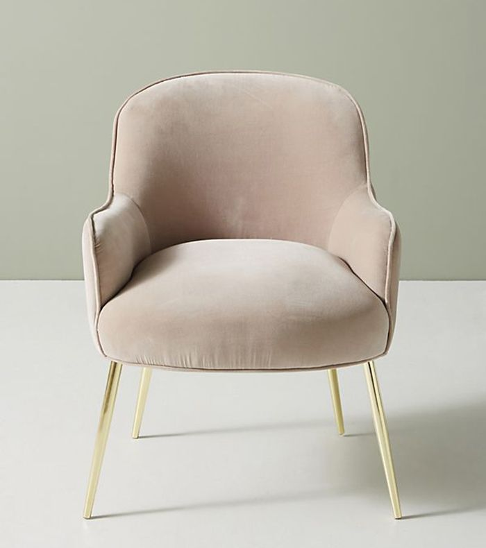 bedroom chairs doc mcstuffins table and uk 11 small to maximize every inch of space mydomaine pinterest