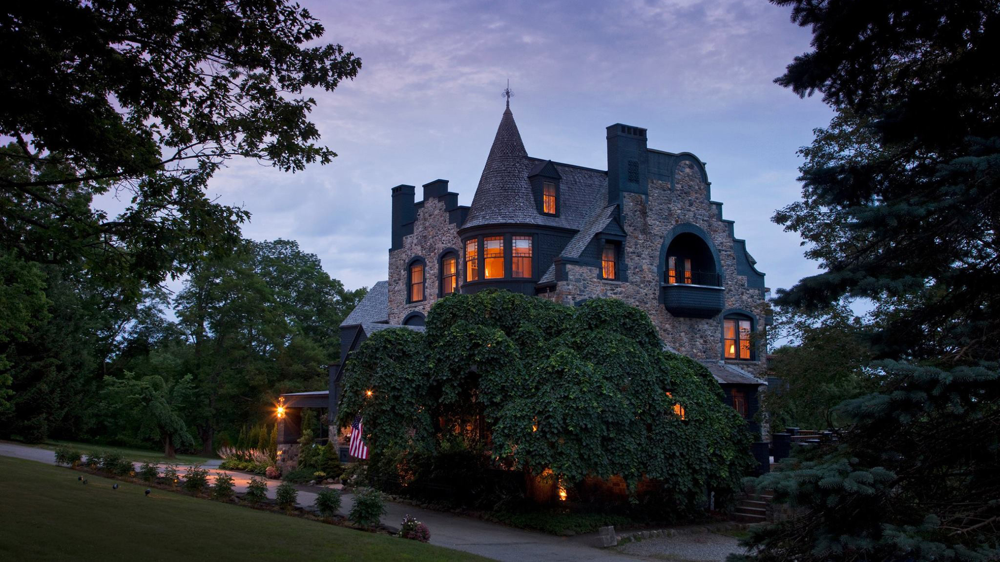 8 Us Castle Hotels With Lots Of Room For Romance Cnn Travel