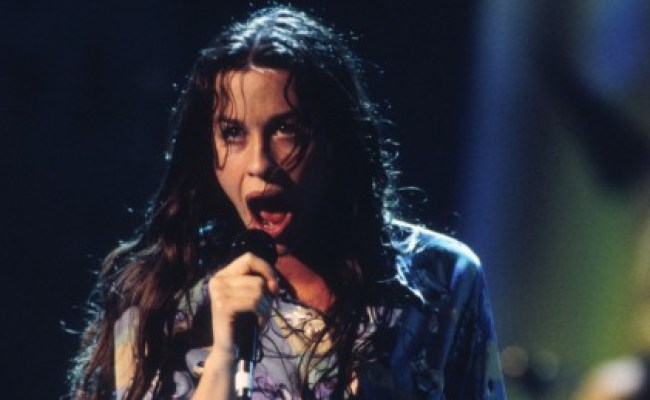 Alanis Morissette S Ex Manager Stole Millions And Gets 6