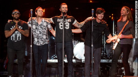 Fans are upset about the halftime show of Maroon 5