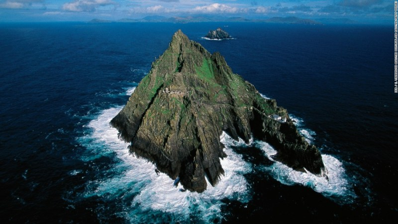 """<strong>Jedi temple (Skellig Michael, Ireland): </strong>The finale of """"The Force Awakens"""" was filmed at the ruins of this seventh-century monastery, which sits on the steep sides of the island Skellig Michael. It is also appears in """"The Last Jedi."""""""