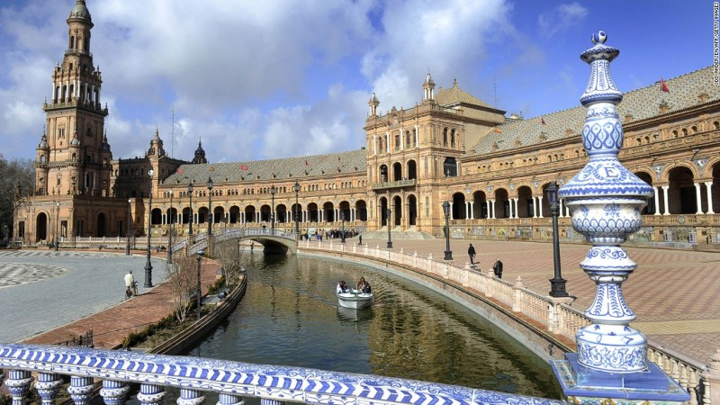 """<strong>Theed <strong></strong>Royal Palace (Plaza de Espana, Seville, Spain): </strong>The majestic Plaza de Espana in the Spanish city of Seville was originally built for the 1929 Ibero-American Exposition. In """"Attack of the Clones"""" and """"The Phantom Menace,"""" it doubles as a palace on Naboo where Anakin and Padme get to stroll among its colonnades."""