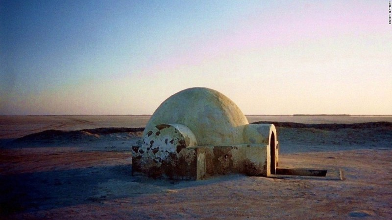 """<strong>Luke Skywalker's igloo (Chott El Jerid, Nefta, Tunisia): </strong>The igloo exterior of Luke's house was filmed about 300 kilometers away on the dried-up salt lake of Chott El Jerid. It was rebuilt for """"Attack of the Clones,"""" and later restored by a fan."""