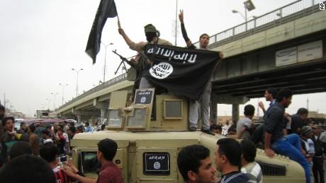 Fallujah: American and Iraqi 'cemeteries'