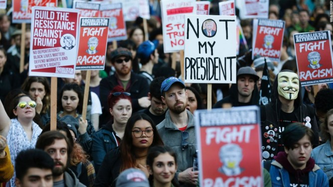 Thousands take to the streets to protest Trump win - CNNPolitics
